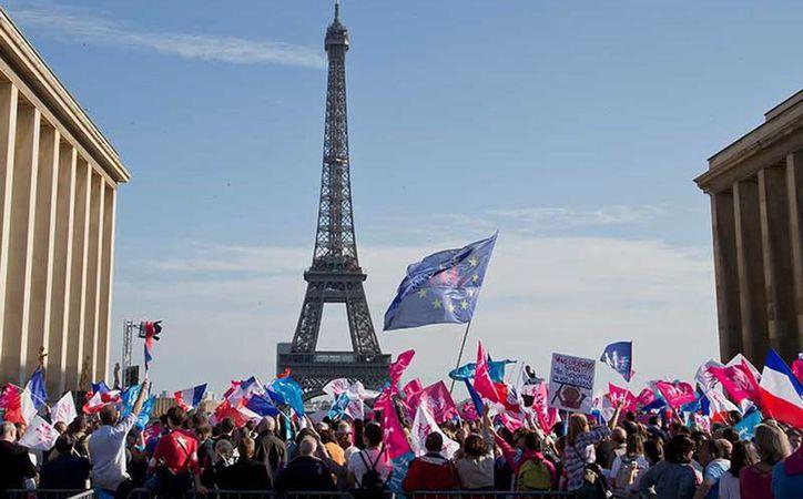 La policía calculó una multitud de 24 mil, mientras los organizadores dicen que llegaron 200 mil personas. (Excelsior)