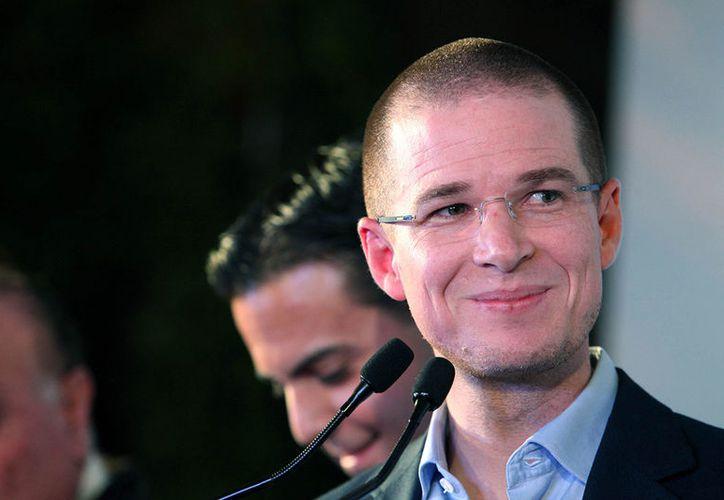 El candidato sostuvo que los agresores fueron enviados por el Partido Revolucionario Institucional. (Foto: Proceso)