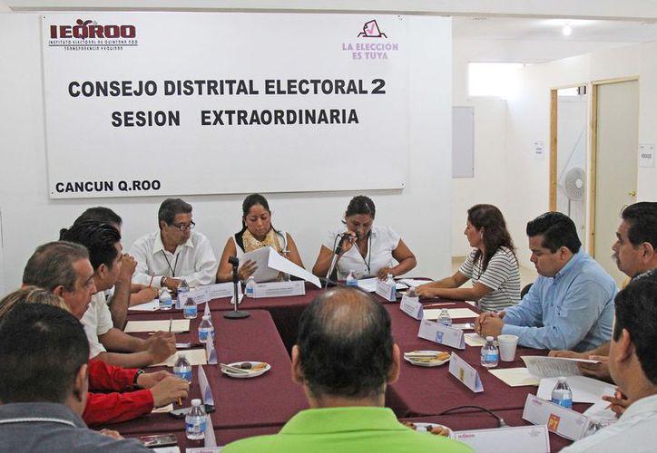 El aumento de las prerrogativas de partidos políticos es debido a los votos obtenidos de las elecciones pasadas; los únicos que no recibirán monto económico son los partidos PT, Panal y MC. (Foto: Jesús Tijerina)