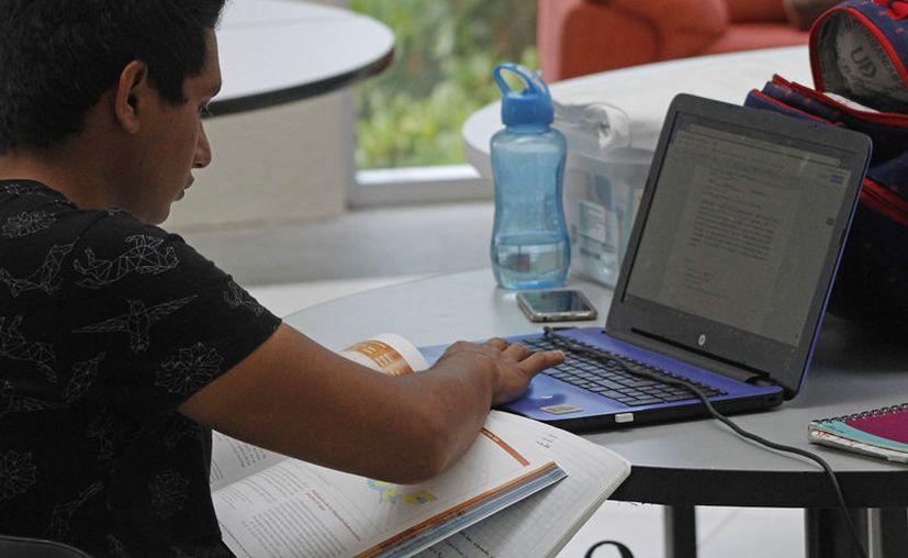 Esta modalidad ciertamente es a dónde se dirige la educación: Carlos Gorocica Moreno, subsecretario de la Secretaría de Educación y Cultura (SEyC) (Foto: Jesús Tijerina)