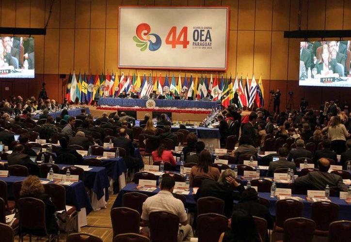 Vista general de la plenaria de la 44 Asamblea General de la OEA en su último día, en la localidad de Luque, aledaña a Asunción, Paraguay. (EFE)