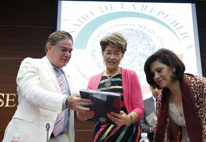 Mercedes Juan aseguró que los nuevos etiquetados en alimentos y bebidas son parte de las estrategias para combatir la obesidad. (Notimex)