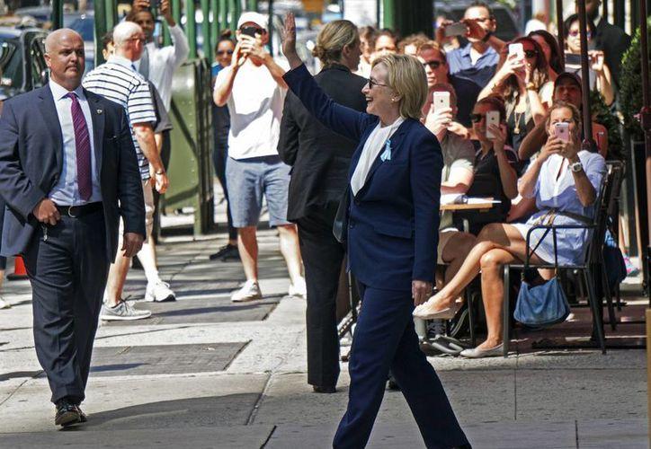 Si algún candidato presidencial de EU renuncia habría que saber qué hacer en los reglamentos internos de los partidos para encontrar una respuesta. En la foto, Hillary Clinton. (AP)