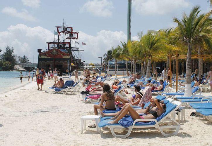El turismo América del Sur representa uno de los principales mercados en el Caribe mexicano. (Israel Leal/SIPSE)