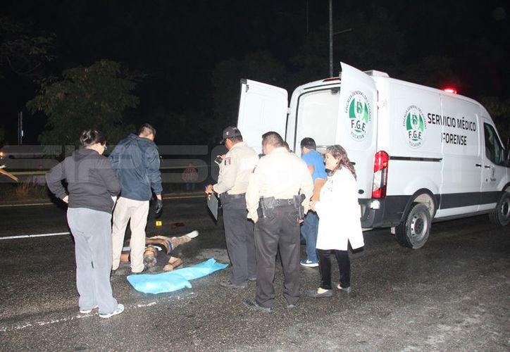 El segundo muerto en Anillo Periférico, en menos de una semana. (Aldo Pallota/SIPSE)
