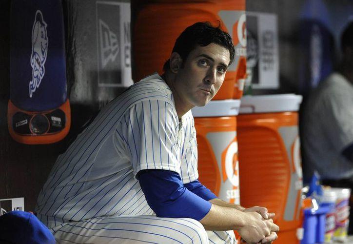 Fotografía de archivo del 19 de abril de 2013 que muestra al pitcher abridor de los Mets de Nueva York Matt Harvey en el dugout, durante el juego contra los Nacionales de Washington, en Nueva York. (Agencias)