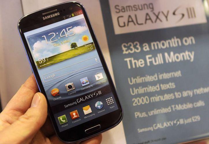 El Galaxy SIII, de Samsung Electronics, en una tienda de Londres. (EFE)