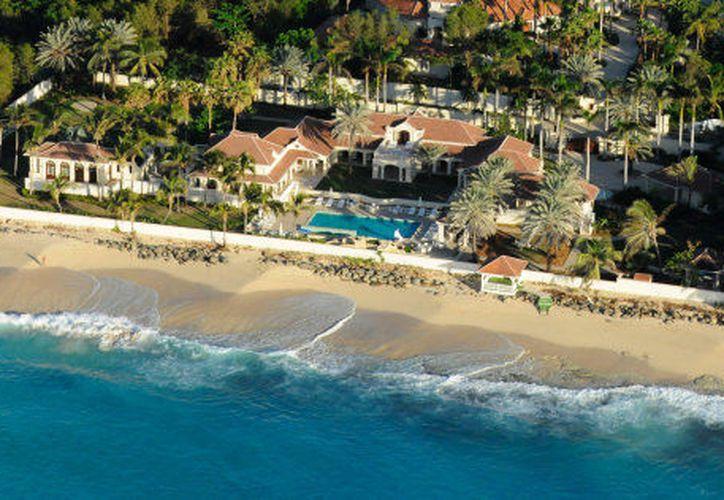 La mansión  de Donald Trump está cotizada en 16.9 millones de dólares. (Luxury Retreats).