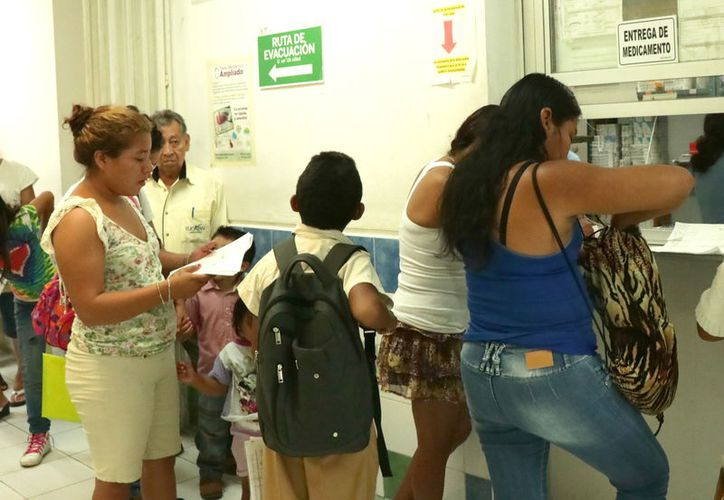 Actualmente, las instituciones de salud carecen de vacunas contra la influenza. (Foto: Jorge Acosta/Milenio Novedades)