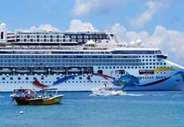 Las costas de Quintana Roo recibirán está semana 16 cruceros. (Redacción/SIPSE)