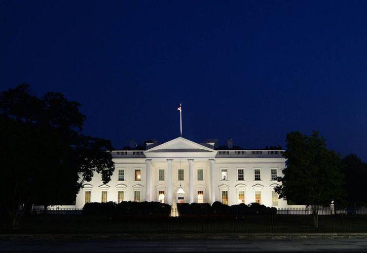 La Casa Blanca negoció el intercambio de prisioneros con la asistencia del Gobierno de Catar, que accedió a acoger al menos durante un año a los cinco presos talibanes. (EFE/Archivo)