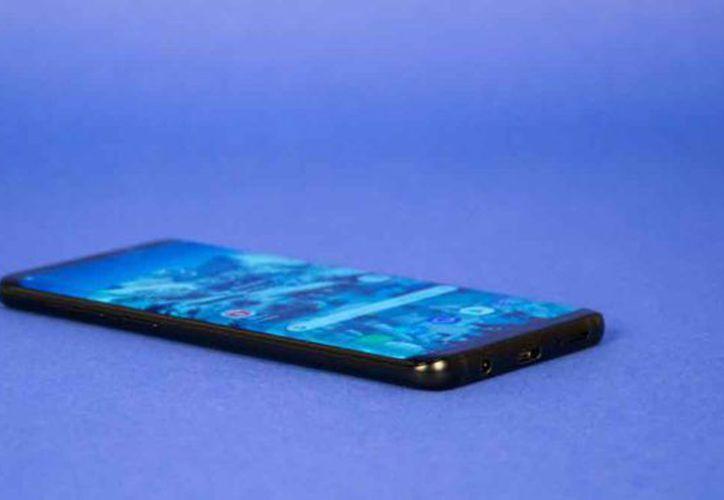 Samsung no será la primera empresa en mostrar un producto con esta característica. (AZ)