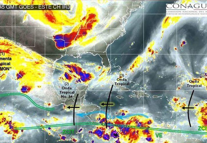 'Simón' favorece densa nubosidad en la Península de Baja California. (Conagua)