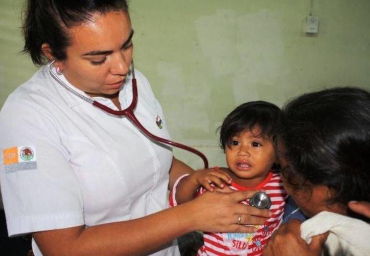 Los bebés, niños de hasta 5 años, así como los adultos mayores, son los más vulnerables en adquirir una enfermedad. (Harold Alcocer/SIPSE)