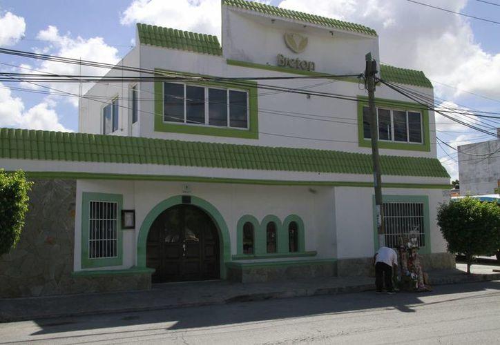 La Funeraria Municipal daba el servicio de sepultura por 11 mil 900 pesos. (Tomás Álvarez/ SIPSE)