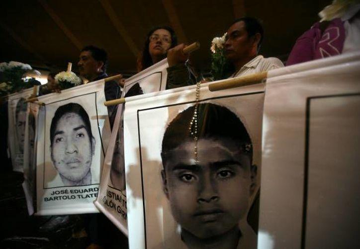 """Los estudiantes de la Normal Rural """"Isidro Burgos"""" de Ayotzinapa, Guerrero, desaparecieron el 26 de septiembre del año pasado. Imagen de archivo. (Agencias)"""