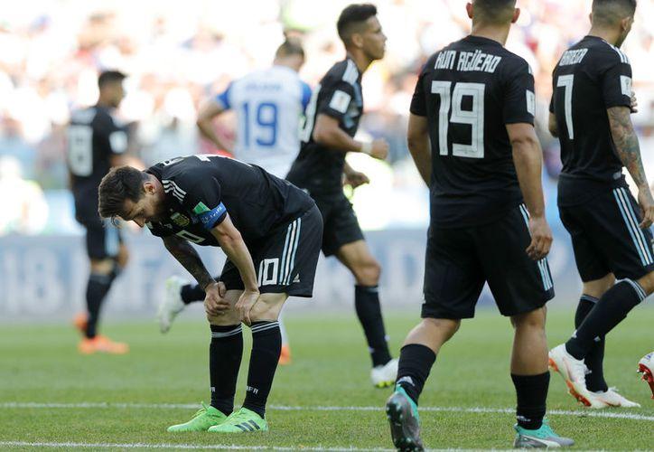 Se rumora que existe una división interna en la Selección de Argentina (Foto archivo: AP)