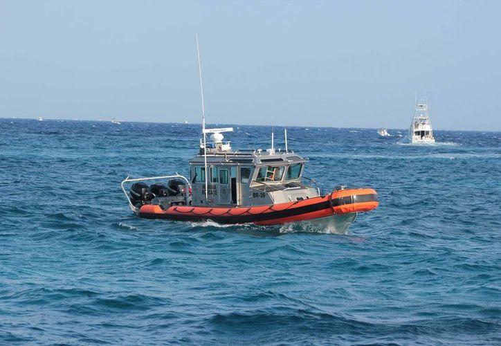 Una embarcación con pescadores a bordo desapareció desde la mañana de ayer; un bote naval emprendió, infructuosamente, la búsqueda.  (Gustavo Villegas/SIPSE)