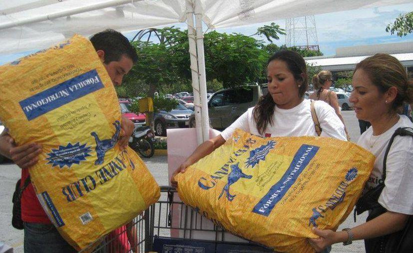 Las donaciones serán recibidas a partir de las 17:00 horas en el estacionamiento de Costco. (.facebook.com)