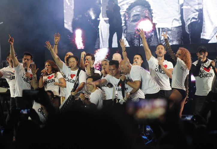 Los grupos se fusionaron en un mismo escenario en el Estadio Beto Ávila. (Jocelyn Díaz/SIPSE)
