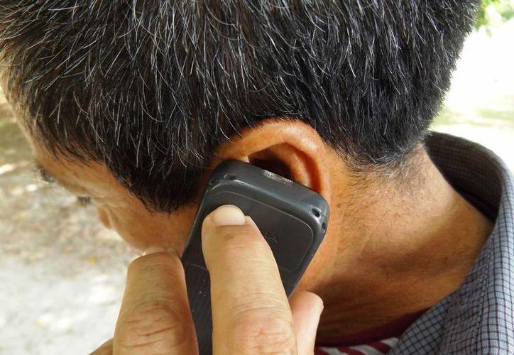 A las víctimas de llamados de extorsión, las autoridades recomiendan no seguir la conversación y denunciar el número de quien llamó.  (Daniel Pacheco/SIPSE)