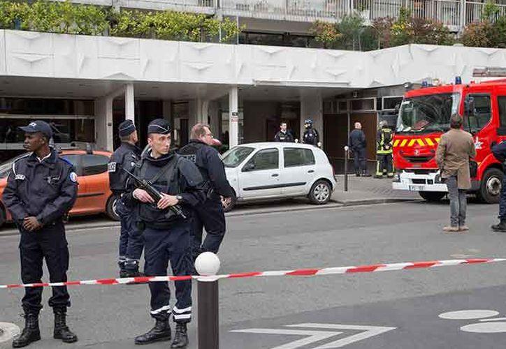 El autor del tiroteo, un estudiante de 16 años, fue detenido por la policía y no estaba fichado. (AP)