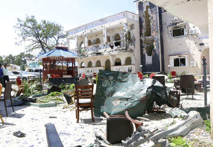 El ataque terrorista a un hotel de Somalia ha dejado 26 personas muertas y cerca de 50 heridas.  (AP)