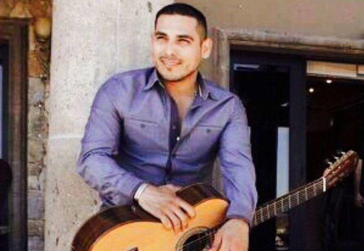 Espinoza Paz estrena el video de la canción 'Perdí la pose'. (Twitter @Espinoza Paz)