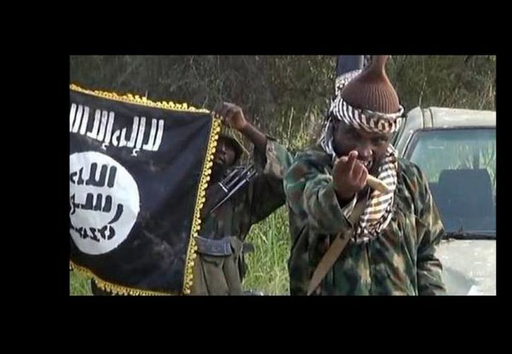 El líder de Boko Haram reapareció en un video para burlarse de las declaraciones del gobierno de Nigeria donde aseguran que lo mataron. (AFP)