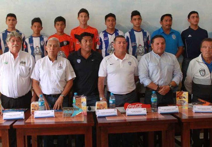 Ayer se realizó la firma entre el Club Pachuca y el Ayuntamiento. (Milenio Novedades)