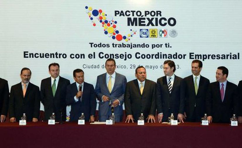 Los integrantes del Consejo Rector del Pacto por México se reunieron con miembros del Consejo Coordinador Empresarial, anoche en un conocido hotel de la ciudad de México. (Notimex)