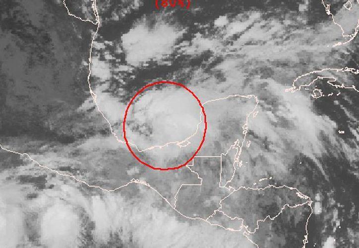 Las probabilidades de la formación de un ciclón tropical aumentaron a 80 por ciento. (CNH)