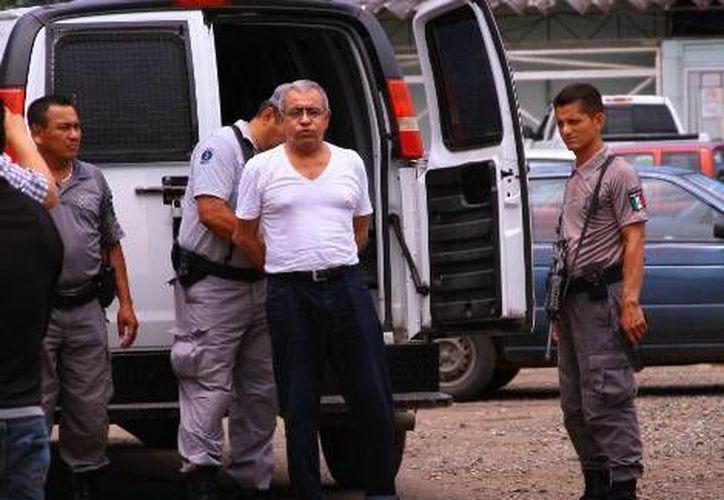 Leoncio Lorenzo Gómez, ex director de Contabilidad, es trasladado del penal  de Tabasco a la Procuraduría de Justicia del Estado. (milenio.com)