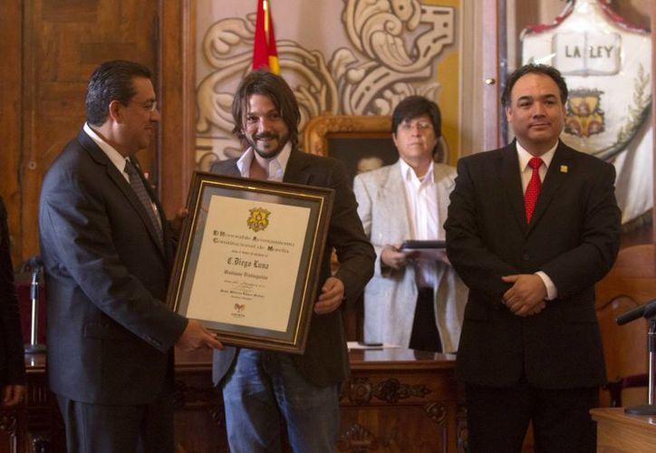 El actor y director cinematográfico fue reconocido por el Ayuntamiento de Morelia. (Notimex)