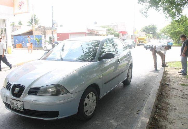 La conductora fue detenida y trasladada a la Secretaría de Seguridad Pública y Tránsito. (Redacción/SIPSE)
