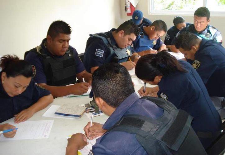 Invertirán en salarios de los policías, equipamiento y capacitación. (Adrián Barreto/SIPSE)