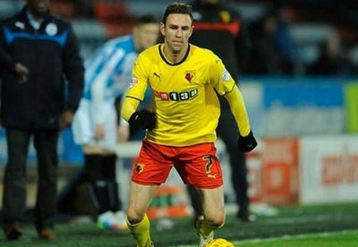 El seleccionado y mundialista mexicano Miguel contribuyó con dos pases para gol a la victoria contundente de Watford sobre Charlton. (Watford)