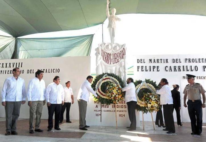El homenaje al inigualable yucateco Felipe Carrillo Puerto se realizó en la plaza cívica de Motul. (Cortesía)