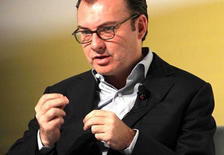 El secretario de Hacienda y Crédito Público, Luis Videgaray, dijo que aún no decide sí hará pública su declaración patrimonial. (Archivo/Notimex)