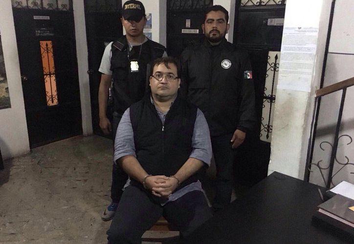 Puede presentar apelaciones y amparos ante las determinaciones de la autoridad judicial guatemalteca. (MVS Noticias)