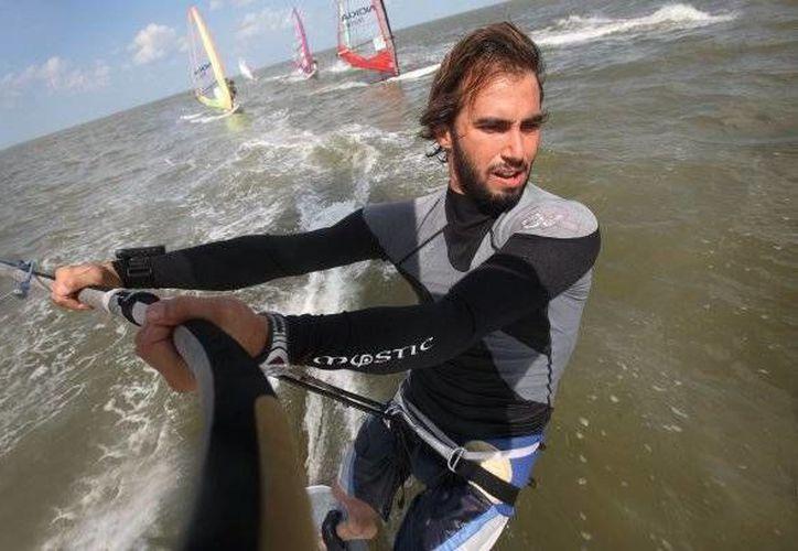El velerista yucateco David Mier competirá del 23 al 29 de noviembre en los Juegos Centroamericanos y del Caribe en Veracruz. (Foto de archivo de SIPSE)