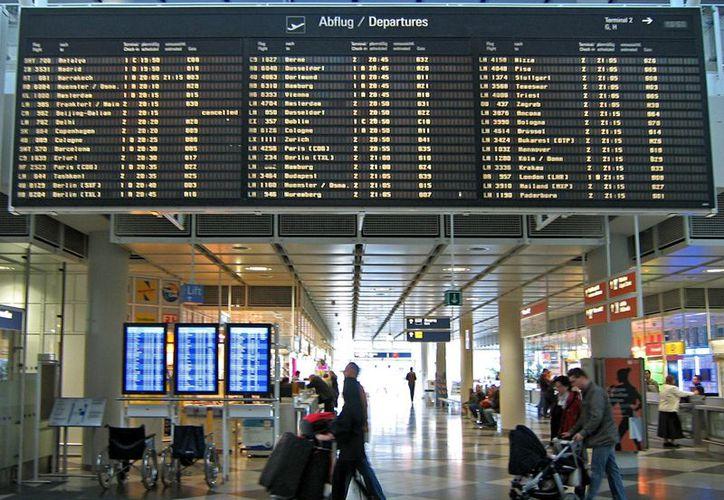 La familia griega vive desde hace un mes en el aeropuerto de Munich. (guiadealemania.com)