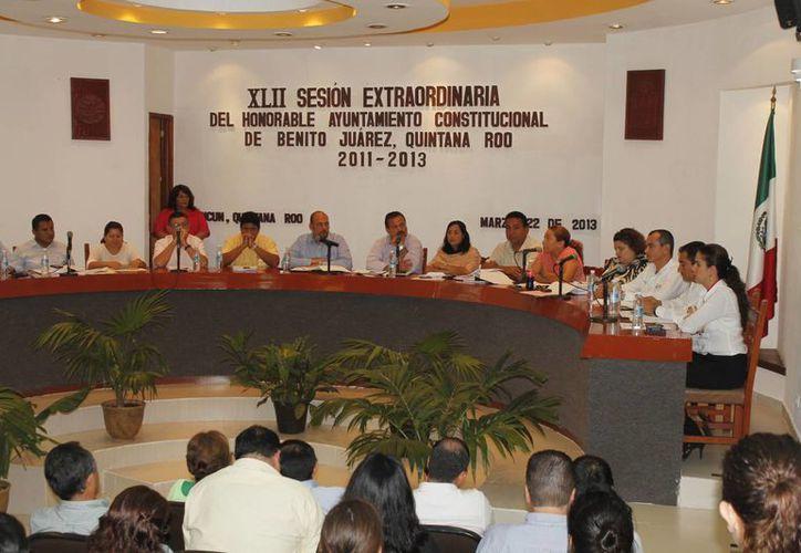 El Cabildo de Benito Juárez aprobó por mayoría la Cuenta Pública correspondiente al Ejercicio Fiscal 2012. (Jesús Tijerina/SIPSE)
