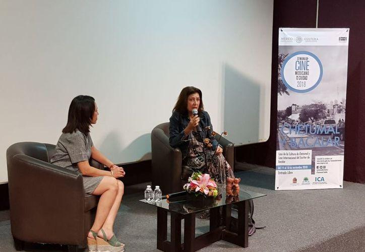 La actriz se refirió, entre otros aspectos, a la industria del cine mexicano en el contexto internacional, a particularidades técnicas del arte escénico. (Foto: Redacción / SIPSE)