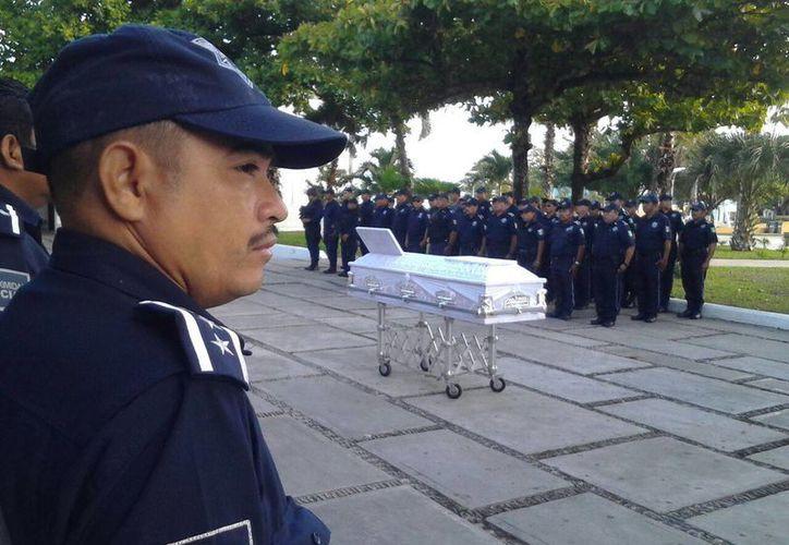 El perito de transito fue despedido por sus compañeros en Cozumel. (Gustavo Villegas/SIPSE)