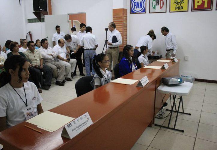En 2012, el número de participantes fue 56, esta vez sólo cinco se inscribieron; dos niñas será las representantes locales. (Harold Alcocer/SIPSE)