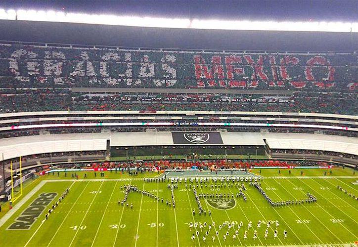 Este tipo de decoración ya se ha hecho en el Estadio Azteca, sobresaliendo en Fútbol americano. (referee.mx)