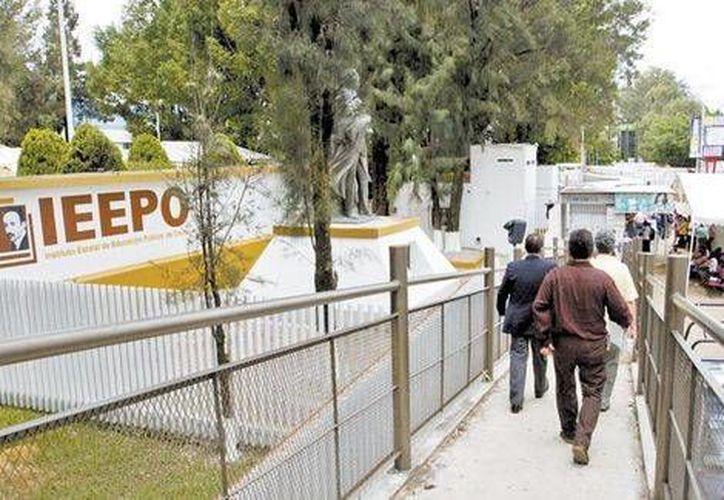 Araceli Zárate dio a conocer que los nuevos servidores presentaron sus declaraciones patrimoniales. Imagen de las oficinas del Ieepo en Oaxaca. (Jorge González/Milenio)