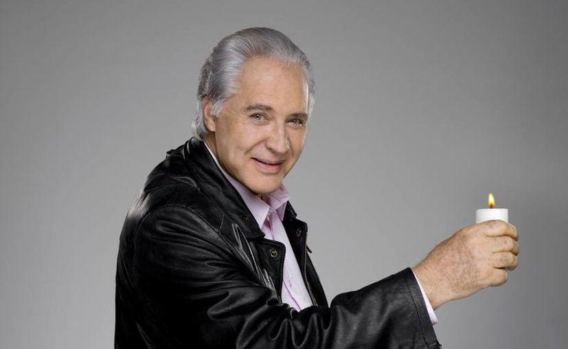 El actor Rogelio Guerra responde de manera favorable a los tratamientos luego de haber sufrido una trombosis cerebral. (televisa.com)