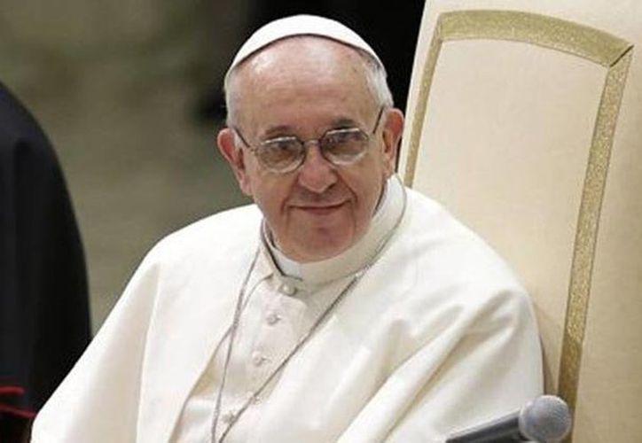 En los primeros meses del papado de Francisco la cantidad de personas asistentes a las actividades del pontífice se triplicaron en comparación con el mismo periodo de Benedicto XVI. (Agencias/Archivo)